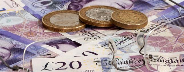 Do Anglicka a ktska pouvaj rovnak peniaze?